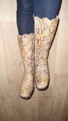 зимние кожаные сапоги Valentino р-р 37-38