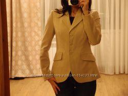 Женский пиджак benetton