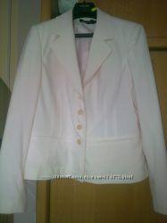 Продается женский пиджак нежно-розового цвета 48-50рр