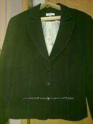 Продается черный женский пиджак 48-50рр