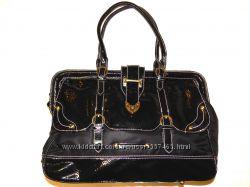 Женская сумка Batty из мягкого лакированного кожзама. Отличное состояние.
