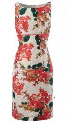 Яркое летнее платье с цветами
