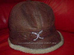 зимняя женская шапка на натуральной цигейке на ОГ 56-58см