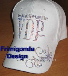 Стильная кепка VIADELLEPERLE VDP копия со стразами Swarovski