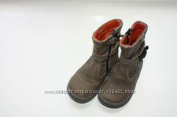Фирменные демисезонные кожаные сапожки р-22