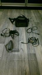 Продам новую видеокамеру Canon MD111