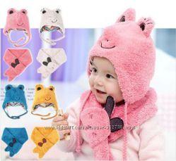 наличии детский комплект детская двойная шапка  шарф Лягушка