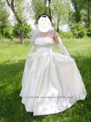 продам свадебное платье не венчальное