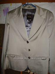 Продам костюм женский фирмы BGN бу в отличном состоянии разм. 40