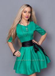Стильное платье с кожаным поясом