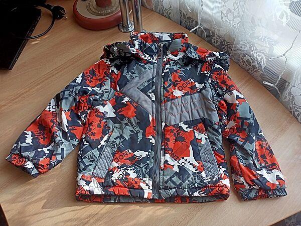 Демисезонная курточка для мальчика Donilo