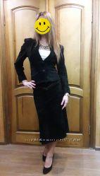 Элегантный строгий замшевый костюм