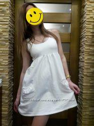 Классное фирменное белое платюшко
