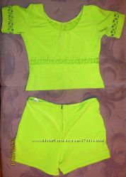 Яркий комплект шорты и кофта