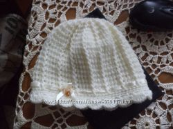 Вязаные беретки и шапочки
