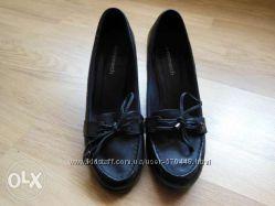 Продам кожаные осенние туфли Monarch 38р.