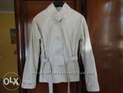 Продам красивую кожаную куртку молочного цвета р. М