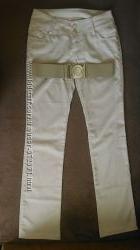 нарядные брюки Gucci 28р.
