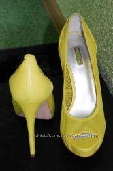 Женские гламурные летние желтые туфли Report Signature US 7, 5