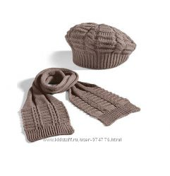 Новый комплект-берет с шарфом от Ив Роше.