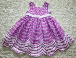 красивое, нежное платье, сзади с бантом,