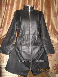 Модный стильный кожаный плащ-пальтишко