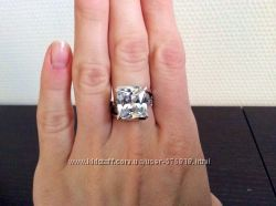 Серебренное кольцо с цирконием