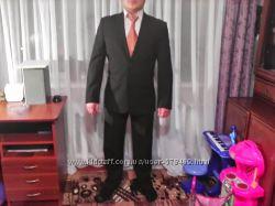 Костюм деловой VD One Состояние нового просто идеал Рубашка и галстук
