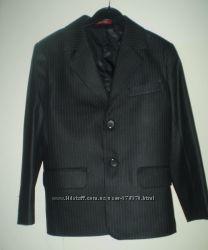 Пиджак черный на рост 120-130р 6-8 лет