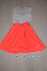 Яркое летнее платье с кружевным верхом