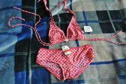 Красивый купальник с бюстом треугольничками и плавками шортиками 38С