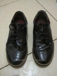 продам модельные туфли на мальчика H&M 28 р