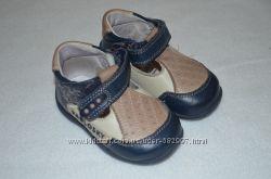 Первые туфельки для малыша в идеальном состоянии