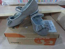 нарядные туфельки размер 25-30 mayoral