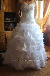 Шикарное свадебное платье аксессуары есть