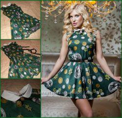 Красивое модное платье р. Л из богатой ткани в стиле Диор Dior
