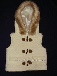 Тёплая жилетка для девочки 6-12M Gymboree