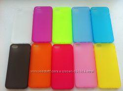 Силиконовый чехол С ЗАГЛУШКАМИ для Iphone 5G 5GS в наличии цвета