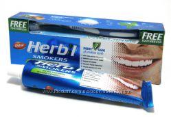 Зубная паста отбеливающая Herbal Smokers Dabur для курящих  зубная щетка1