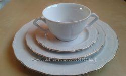 Тарелки из белого фарфора с золотым ободком 12 шт.