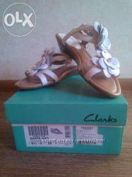 Обменяю босоножки Clarks 5, 5 размера наш 37-37, 5