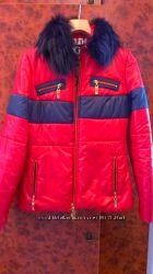 Куртка женская осеньвесна р. 38 красная с синим