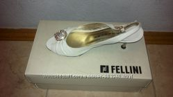 Fellini кожаные босоножки р. 36 белые нарядные