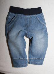 Джинсы и велюровые штаны на 6-9мес мальчик