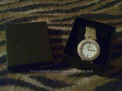 Женские часы в подарочной упаковке новые Орифлейм