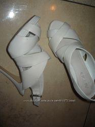 Продам белые босоножки Алдо , 36 размер