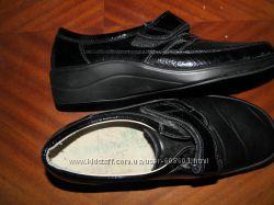 очень  удобные  и  качественные  туфли  для  проблемной  ножки   размер   4