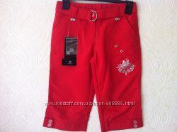 Красные шорты на девочку. Германия