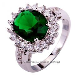Кольцо с зелёным камнем