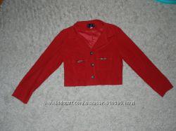 Женский укороченный пиджак.